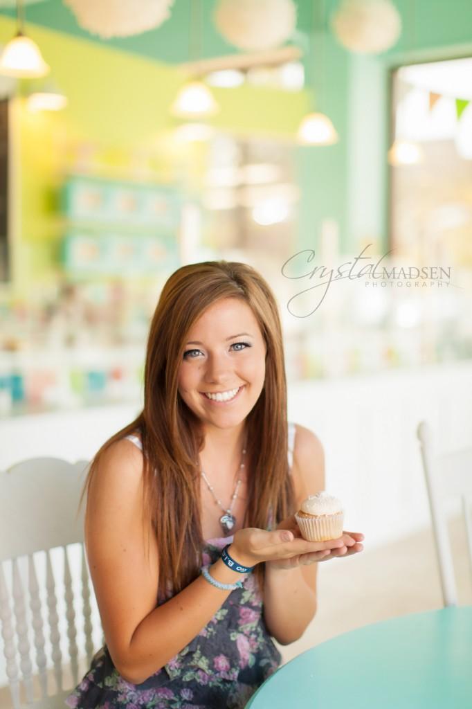 Cupcake Senior Portrait