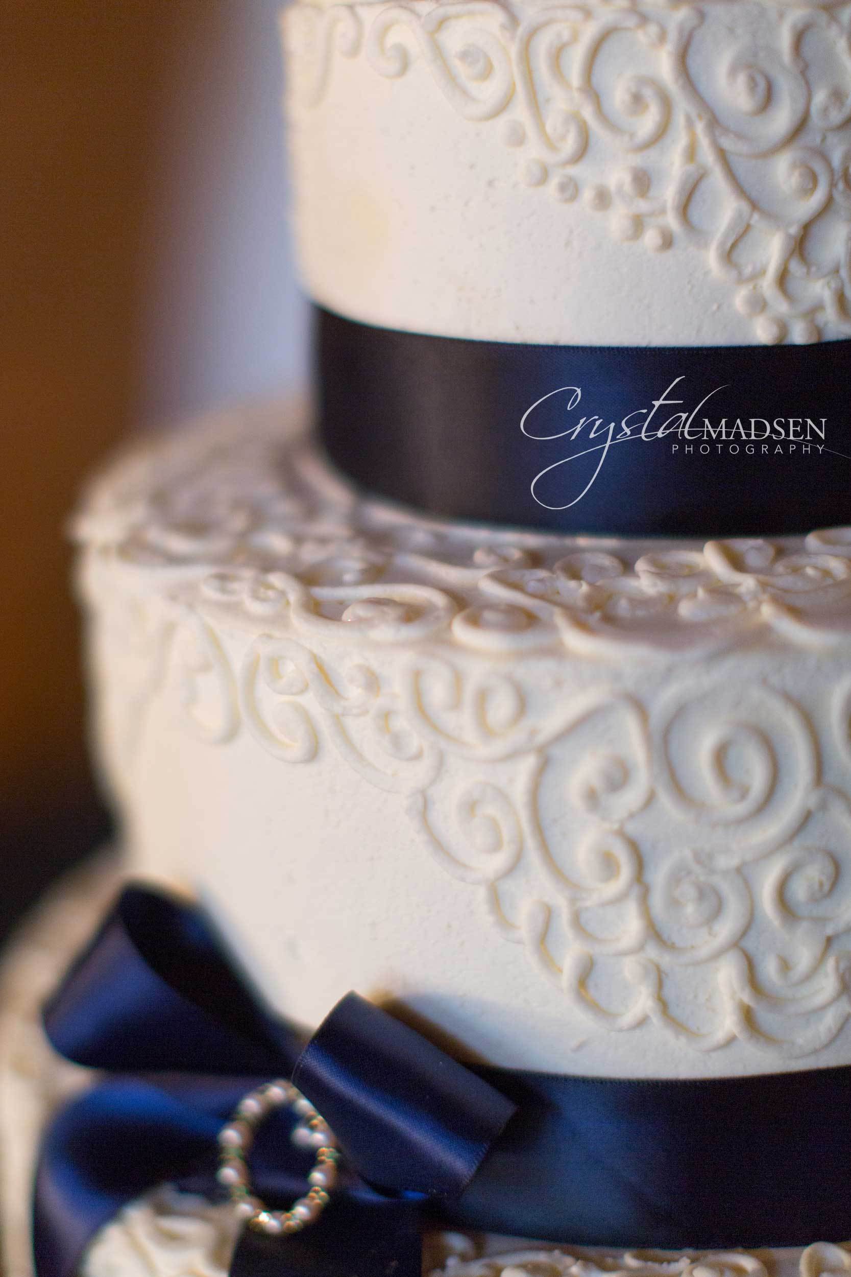 Spokane Wedding Cake and photography