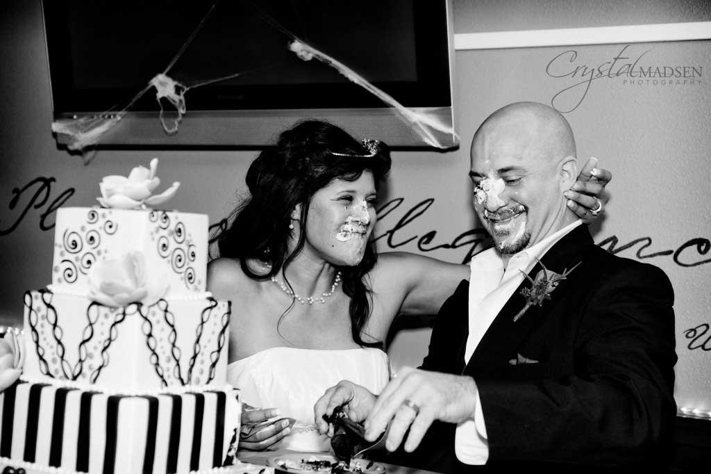 wedding cake mess