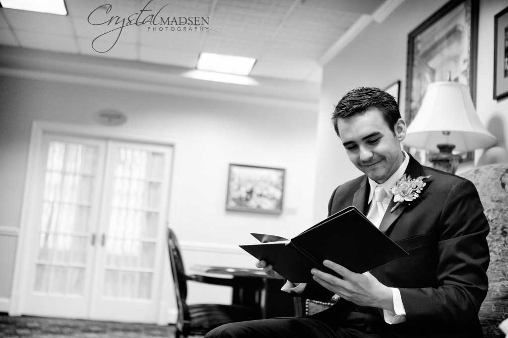Candid Spokane wedding photography