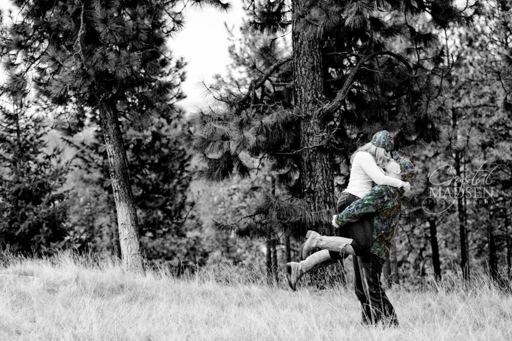 Romantic - Spokane - Winter - Engagement004
