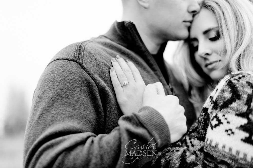 Romantic - Spokane - Winter - Engagement009