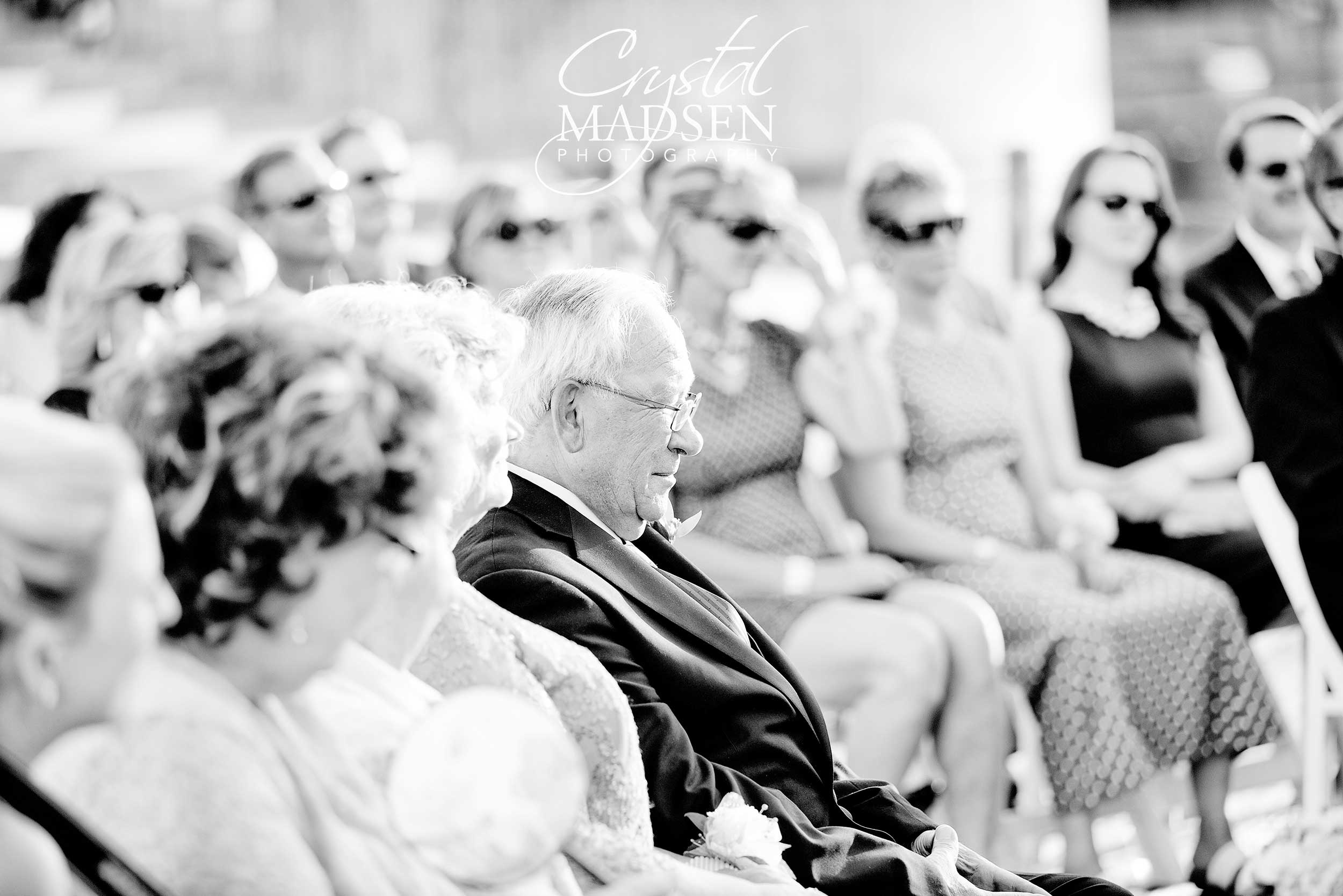 photojournalistic wedding