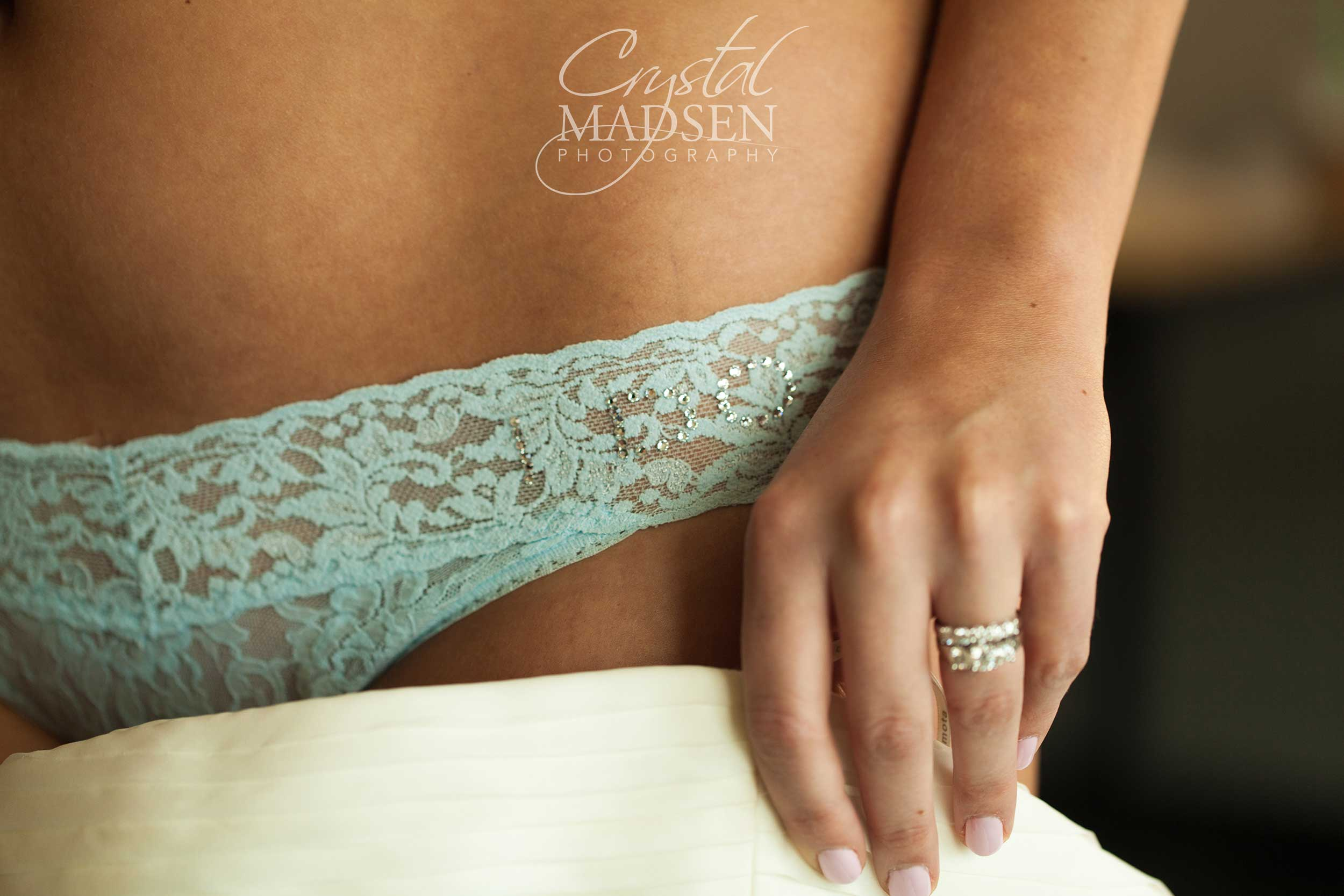 Intimate wedding details