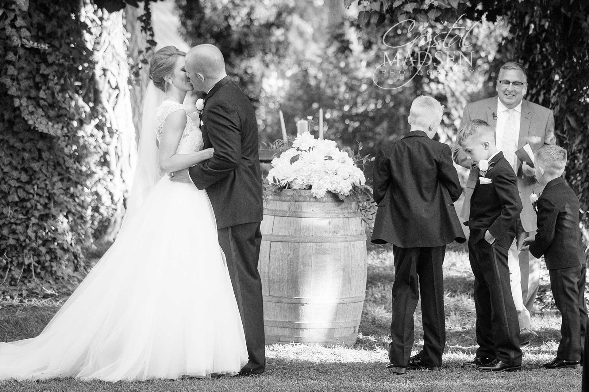 arbor-crest-summer-wedding_11