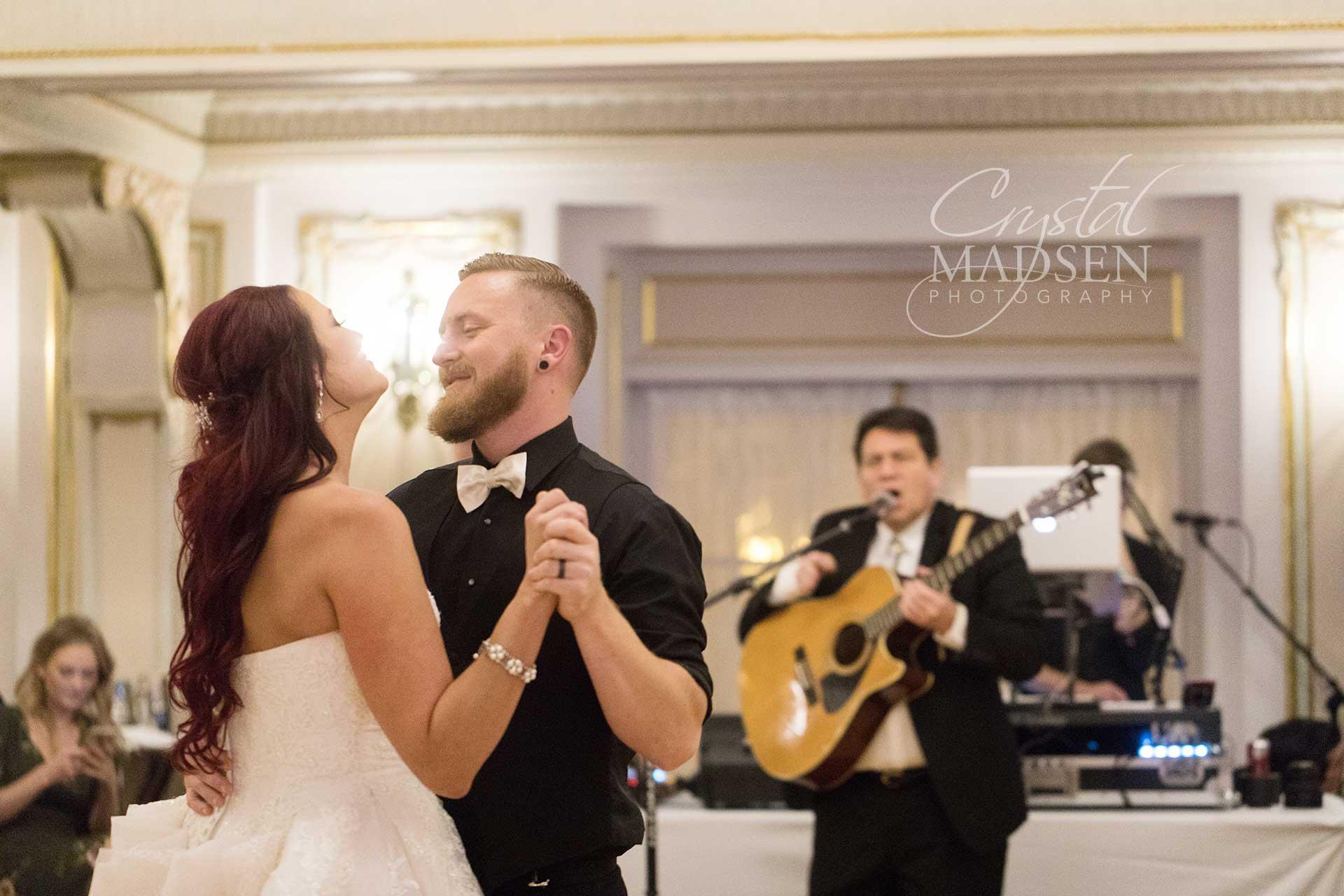 Romantic Must have wedding photos