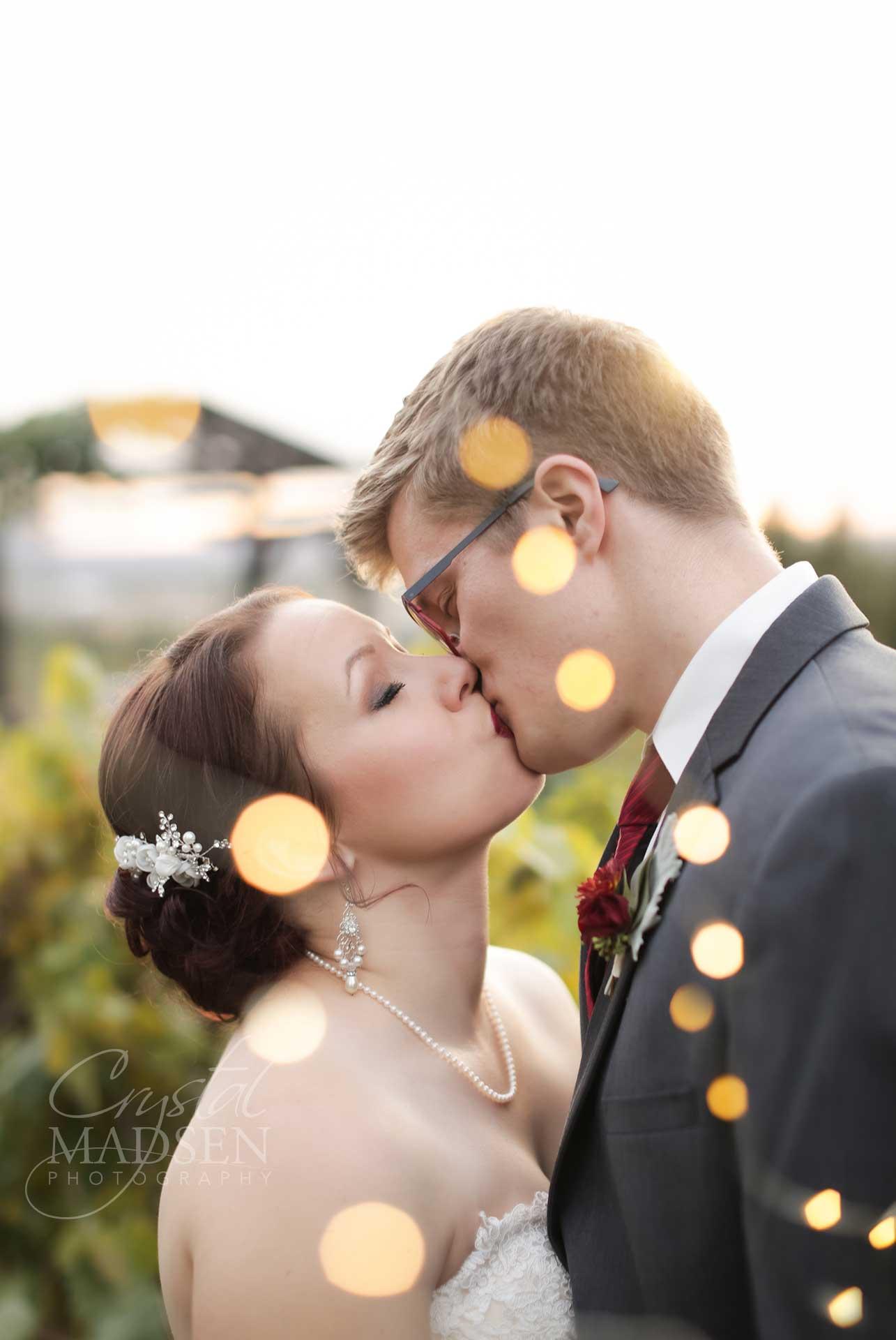 must have romantic wedding photos