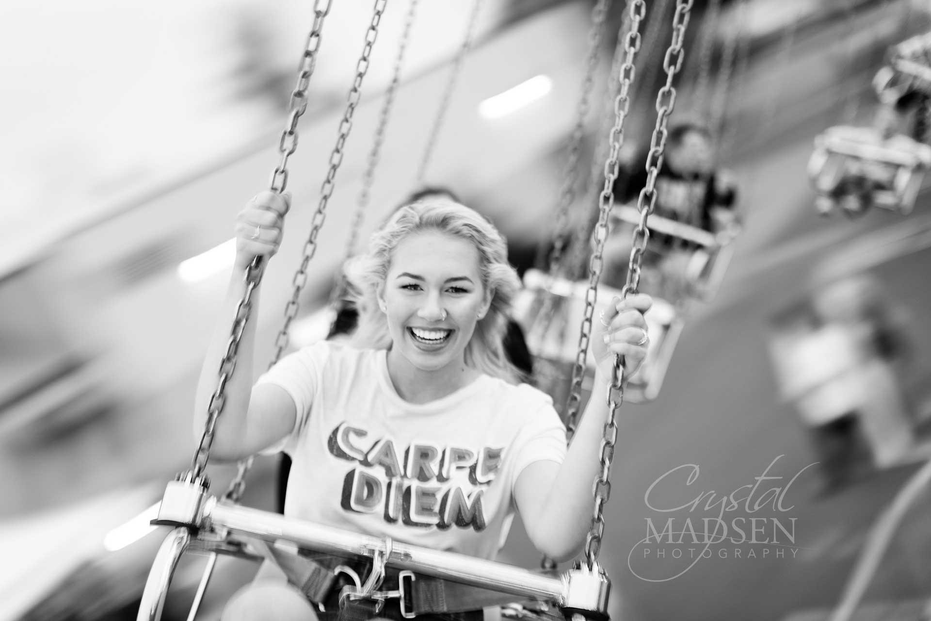 senior photos at the carnival