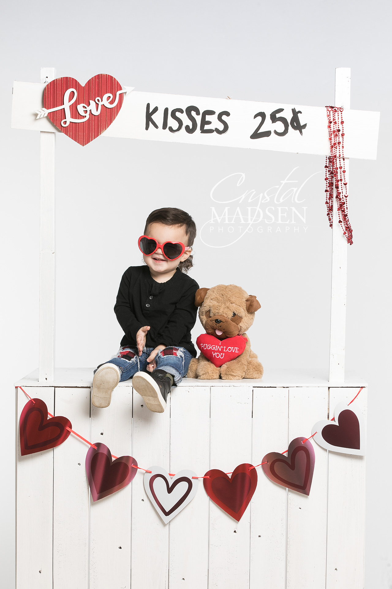 Valentine's Day Kissing Booth Photo Shoot